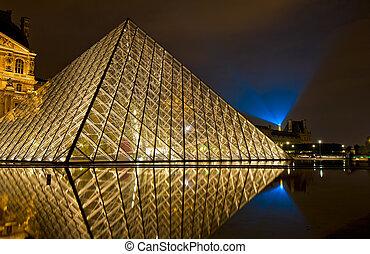 museu louvre, à noite, paris, frança