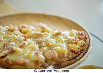 Mushroom and ham pizza