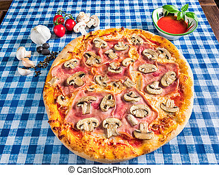 Mushroom and ham pizza with cheese