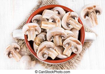 Mushrooms in a ceramic bowl