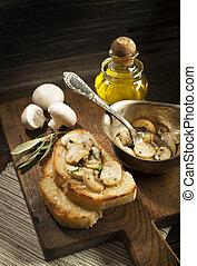 Mushrooms sauce with bread