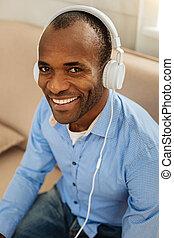 musik, strahlend, zuhören, mann