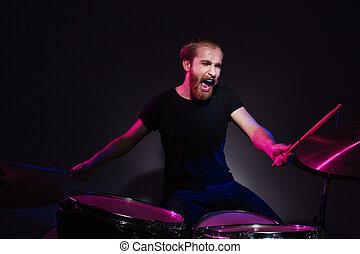 musiker, spielen trommeln