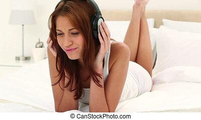 musique, chevelure, brunette, femme, écoute