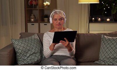 musique, personne agee, écoute, femme, écouteurs