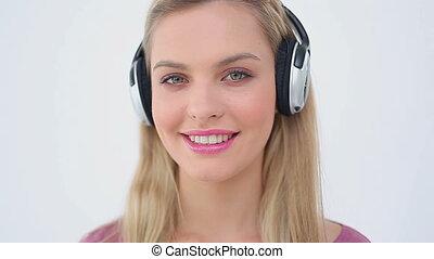 musique, quoique, heureux, rire, femme, écoute