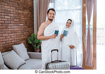 couple going for hajj and umrah