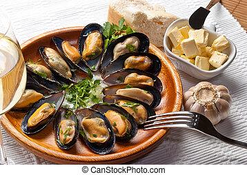 mussels in garlic butter sauce