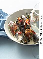 Mussels in wine