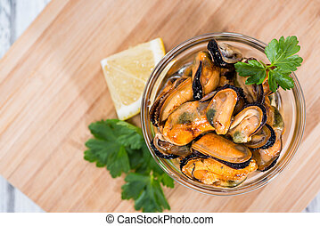 Mussels (with fresh herbs) - Grilled Mussels pickled in oil ...