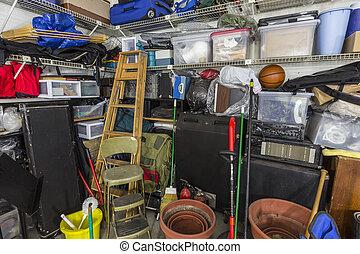 muy, desordenado, garaje