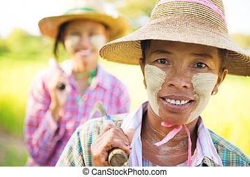 Myanmar farmer - Portrait of a two Myanmar farmer with...