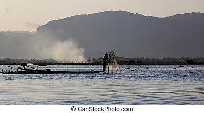 Myanmar, fishing on the lake