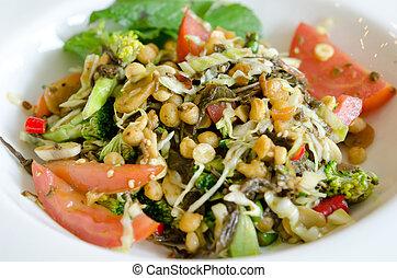 """Myanmar food - favorite cuisine of Myanmar """" Lahpet """""""