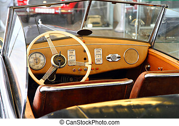 mycket, bil inre, gammal