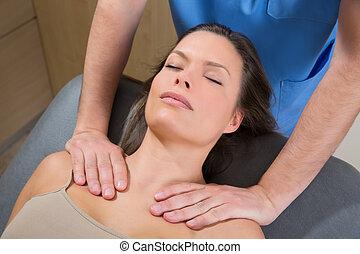 myofascial, terapia, en, mujer hermosa, hombros