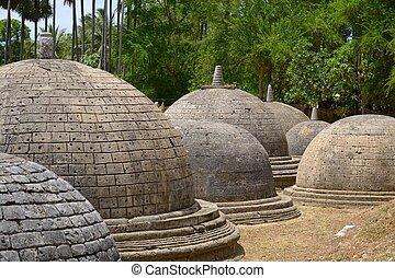 mystérieux, ancien, stupas
