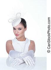 mystisk, kvinna, in, elegant, vit hatt, och, glowes