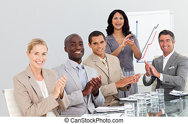 národ, aplaus, business věnování