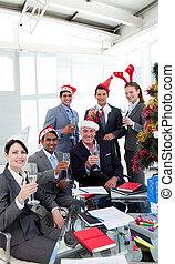 národ, tousty, vánoce, business strana, novinka, klobouk