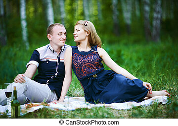 nászút, párosít, romantikus, szerelemben, alatt, erdő