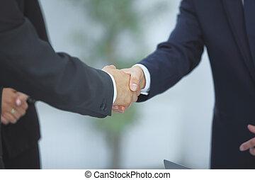 nära, uppe., handslag, av, affärsverksamhet partner, på, suddig fond