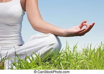 närbild, av, kvinna, räcker, in, yoga, meditation, pose,...