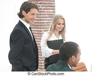 närbild, .employees, se, den, handslag, affärsverksamhet partner