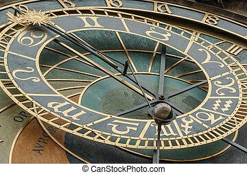 närbild se, av, gammal by tambur, torn, prag, astronomisk klocka