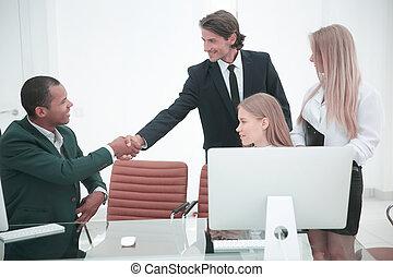 närbild, .the, handslag, mellan, kolleger, in, den, workplace