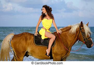 nätt, ung kvinna, ridande, a, häst