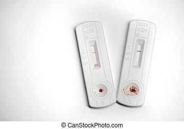 négatif, sanguine, résultat, covid-19, utilisation, appareil, essai, échantillon, rapide