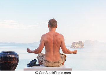 négligence, méditer, jeune, ocean., homme