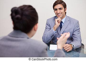 négociation, homme affaires, sourire