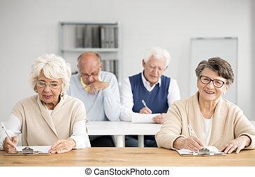 négy, seniors, számítógép, besorol, közben