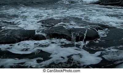 nördlich, gegen, brechen, wasserlandschaft, Wellen, stein