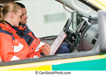 nødsituation, ambulance, paramedics, arbejde, automobilen, siddende