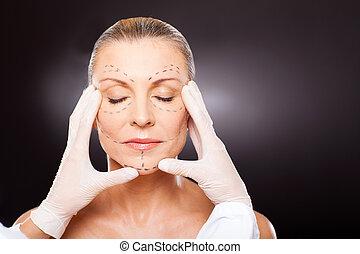nő, átvizsgálás, idős, műanyag, középső, sebész, arc