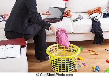 nő, épület, dolgozó, takarítás, aktivál