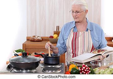 nő, öreg, főzés
