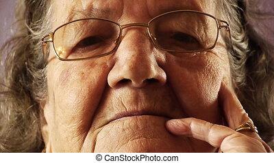 nő, öreg, feláll, arc, bőr, becsuk, idősebb ember, ránc