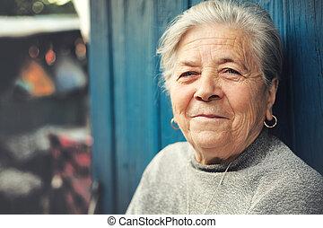 nő, öreg, külső, idősebb ember, mosolyog vidám