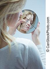 nő, alacsonyabb self-esteem