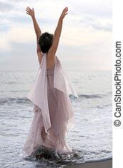 nő, alatt, rózsaszínű ruha