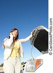 nő, autó, csőd