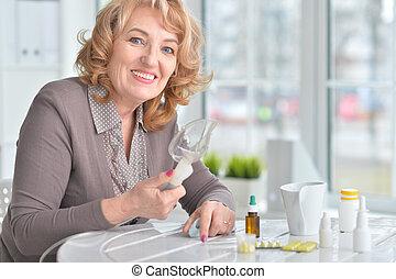 nő, belehelés, öregedő