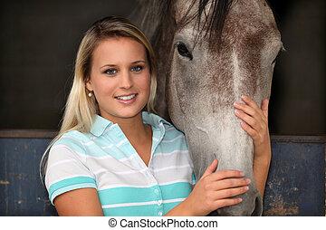 nő, cirógató, egy, ló