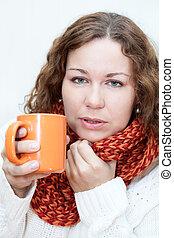 nő, csésze, tea, elkapott, csípős, kézbesít, hideg