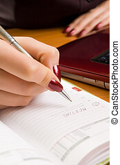 nő, dof)., (shallow, fiatal, írás, jegyzet, íróasztal