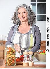 nő, főzés, érett